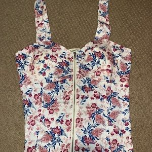 Cute Floral Top Size Medium with Built In Bra Cups
